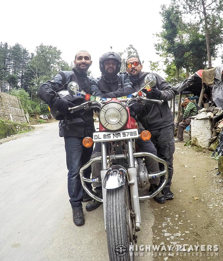 naldera, royal enfield, friends