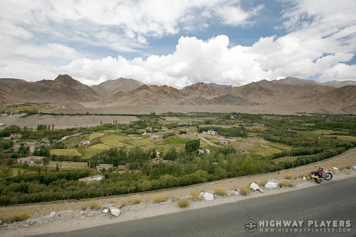 highway players, leh, beauty, mountain, hills, road